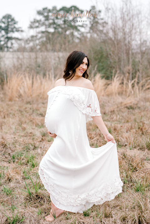 Boho Maternity session in the Woodlands